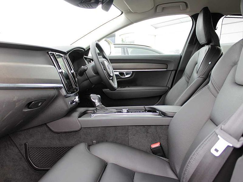 Volvo V90CC D4 AWD Cross Country Pro (A) (Ex-Demo, Leather)