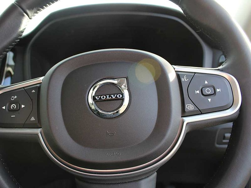 Volvo V60 D3 Momentum (M) (Winter Pack, Rear Park Assist)