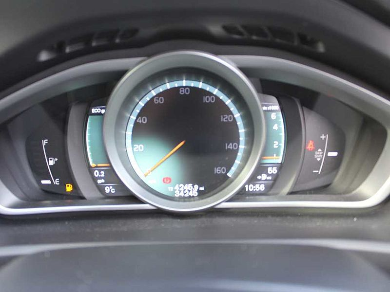 Volvo V40 T2 R-Design (M) (DAB Radio, Bluetooth)