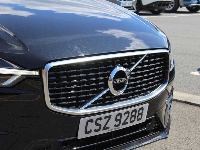 Volvo XC60 D4 AWD R-Design (A) (Sensus Navigation, Heated Front Seats)