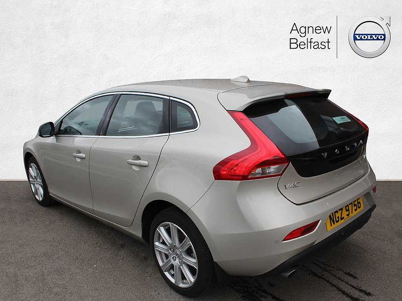 Volvo V40 T3 Inscription (A) (Leather, Ex-Demo)