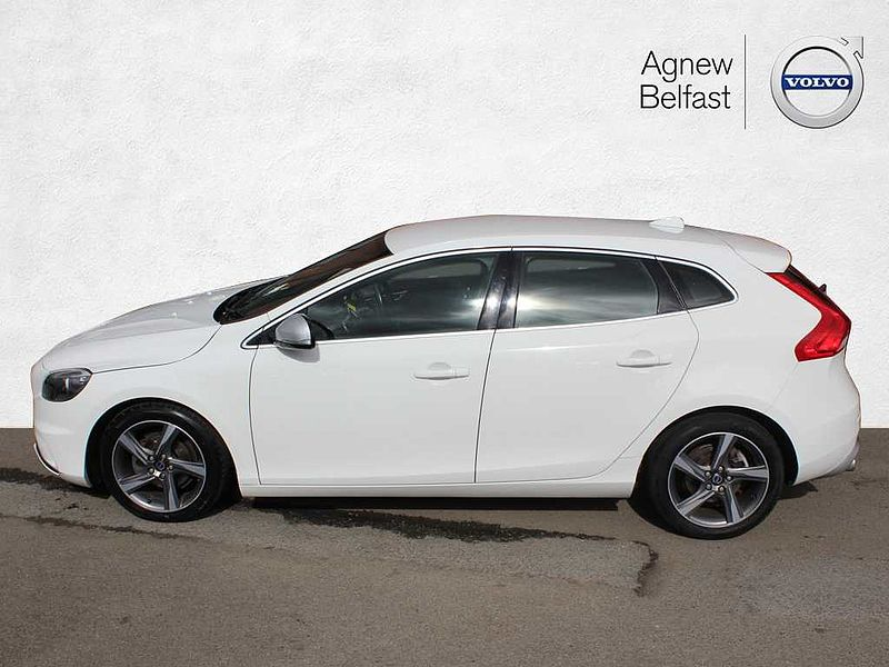 Volvo V40 D2 R-Design (M) (£0 To Tax, DAB)
