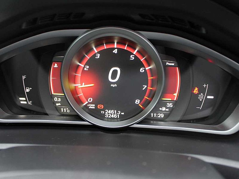 Volvo V40 T2 R-Design (M) (Rear Park Assist,  Cruise Control)